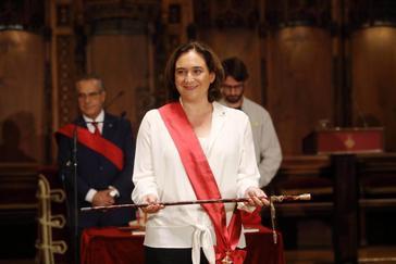 Colau, reelegida alcaldesa de Barcelona con los votos de PSC y Valls
