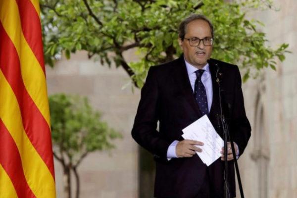 GRAF9155. BARCELONA.- El president de la Generalitat Quim <HIT>Torra</HIT> y la alcaldesa de Barcelona Ada Colau en el Palau de la Generalitat durante los parlamentos, hoy sábado en Barcelona.