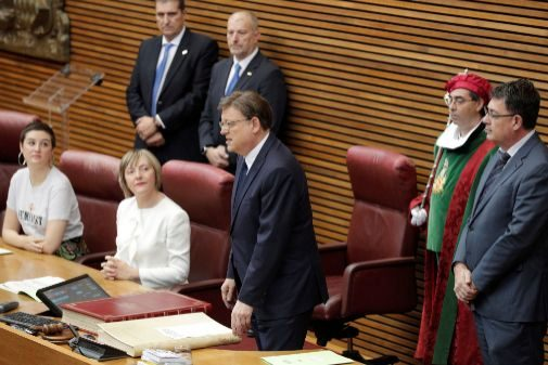 Ximo Puig promete como presidente de la Generalitat Valenciana.