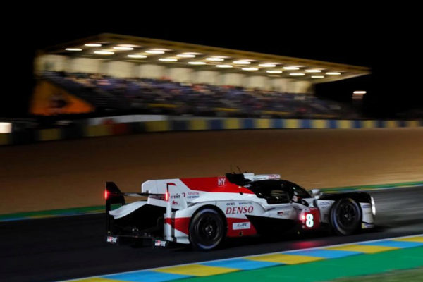 Le Mans (France), 15/06/2019.- Toyota Gazoo Racing (starting no.8) in a Toyota TS050 Hybrid with Sebastien Buemi of Switzerland, Kazuki Nakajima of Japan and <HIT>Fernando</HIT> <HIT>Alonso</HIT> of Spain in action at night during the Le Mans 24 Hours race in Le Mans, France, 15 June 2019. The race is scheduled to finish at 3pm local time on 16 June. (Francia, Japón, España, Suiza) EPA/