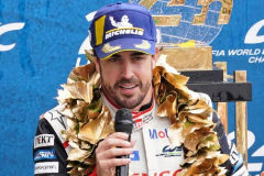 Le Mans (France).- <HIT>Fernando</HIT> <HIT>Alonso</HIT> of Spain, one of the drivers of Toyota Gazoo Racing (starting no.8) in a Toyota TS050 Hybrid delivers a speech on the podium after winning the Le Mans 24 Hours race in Le Mans, France, 16 June 2019. (Francia, España) EPA/
