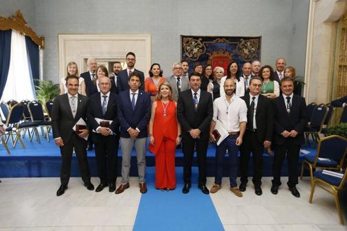 Foto de familia de la nueva Corporación Municipal de Alicante.