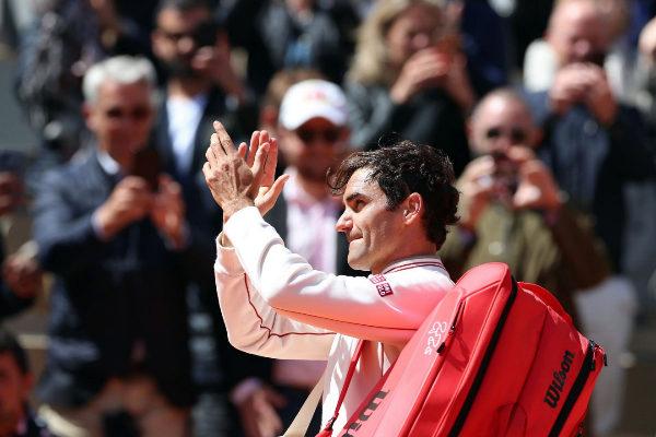 EPA6357. PARÍS (FRANCIA).- El tenista suizo Roger <HIT>Federer</HIT>...