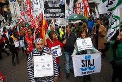 Un grupo de funcionarios se manifiesta el pasado mes de noviembre en Madrid.