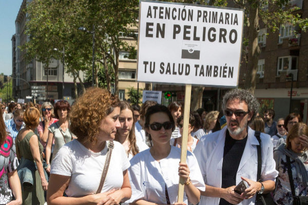 Manifestación de trabajadores de la Atención Primaria en Vitoria.
