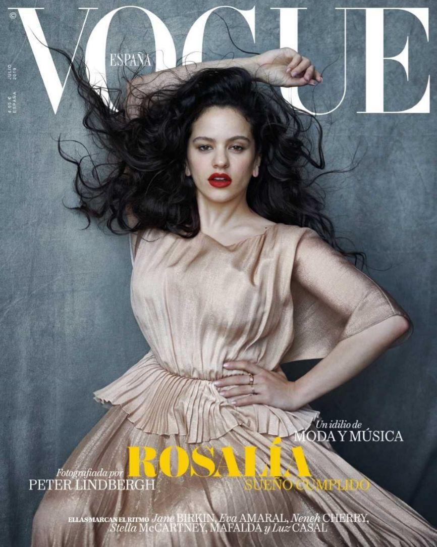 El número de julio de Vogue España tiene a la cantante Rosalía, de...