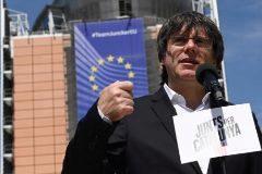 Rechaza el intento del abogado de Puigdemont para acreditarlo por poderes