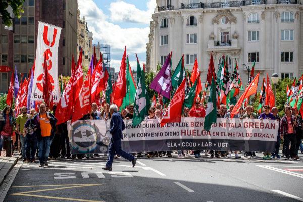 Trabajadores del Metal en una manifestación por Bilbao.