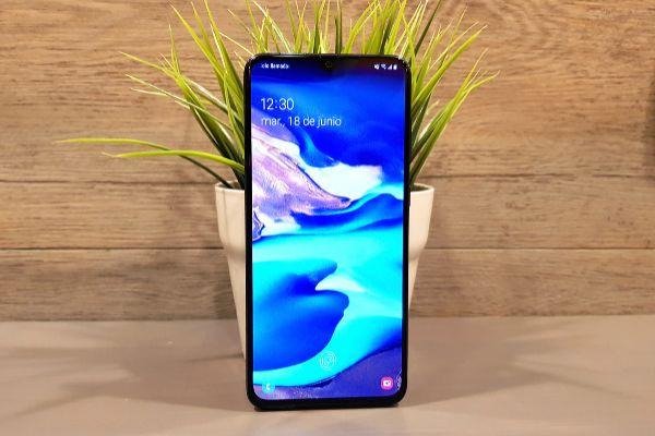 Galaxy A70: el móvil de Samsung para competir con Samsung
