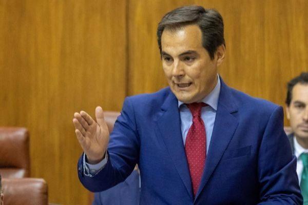 GRAFAND8389. SEVILLA (ESPAÑA).-El portavoz del grupo parlamentario popular, <HIT>José</HIT> <HIT>Antonio</HIT> <HIT>Nieto</HIT>, durante su intervención en la sesión de control al Ejecutivo hoy en el Parlamento de Andalucía en Sevilla.