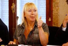 Un perito: Svetlana no apuñaló a su marido, las heridas son mordeduras del perro