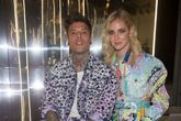 El cantante Fedez y Chiara Ferragni en la Fashion Week de Milán en...