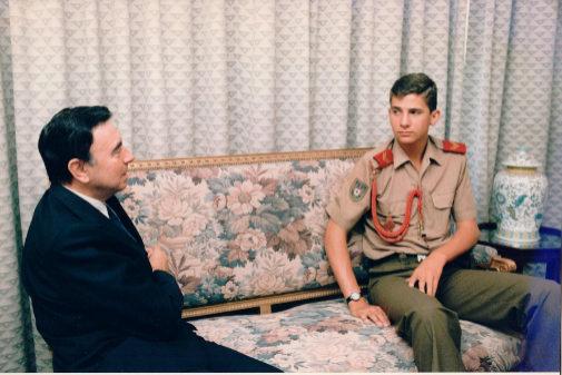 Luis María Anson y Felipe VI, durante la entrevista del ABC en el...