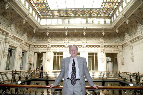 El científico Jeffrey Gordon durante una entrevista hoy en Bilbao