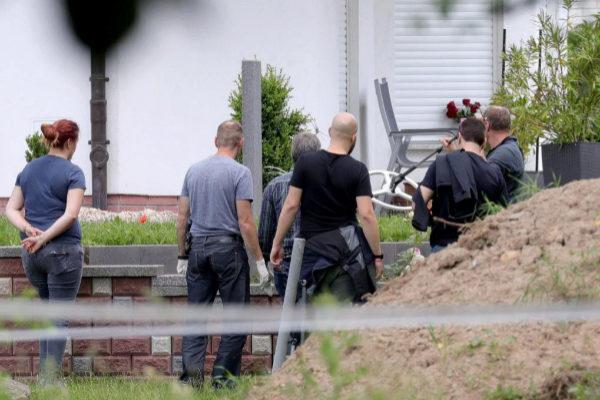 EPA987. WOLFHAGEN-ISTHA (ALEMANIA).- La policía investiga la escena...