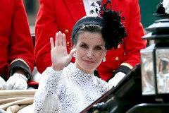 Doña Letizia, durante la ceremonia de la Orden de la Jarretera para investir caballero a Felipe VI, en Londres