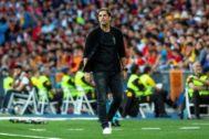 GRAF6356. MADRID.- El seleccionador ayudante de España, <HIT>Robert</HIT> <HIT>Moreno</HIT>, durante el partido ante Suecia de la fase de clasificación para la Eurocopa 2020 que se disputa esta noche en el estadio Santiago Bernabéu.