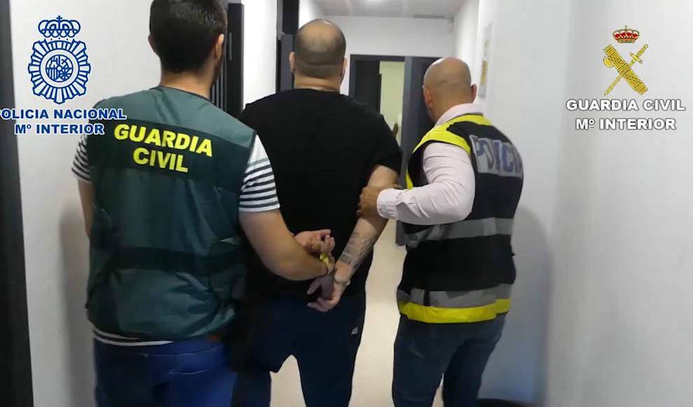 Detenidos 15 falsos técnicos de gas y luz por estafar a 30 comercios