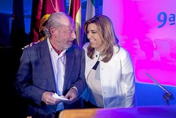 La secretaria general del PSOE andaluz, Susana Díaz, junto al presidente de la Diputación de Sevilla, Rodríguez Villalobos, en una imagen de archivo.