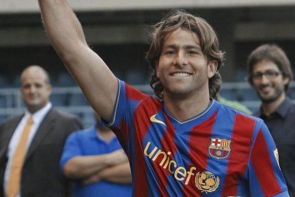 Maxwell durante su presentación como jugador del Barça en 2009