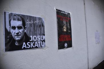Carteles de apoyo a Josu Ternera en su localidad natal, Ugao-Miraballes