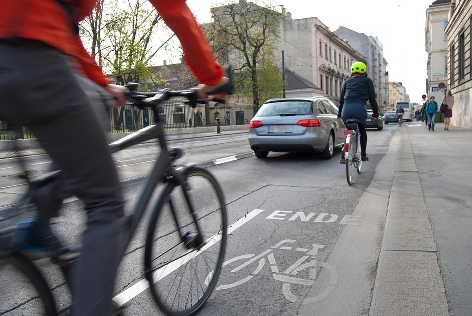 Los ciclistas, invisibles para muchos conductores