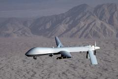 Imagen facilitada por las Fuerzas Aéreas estadounidenses en la que un dron sobrevuela una localización desconocida.