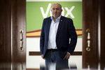 Crisis en uno de los feudos de Vox: Abascal expulsa a su líder en El Ejido por desobedecer las directrices