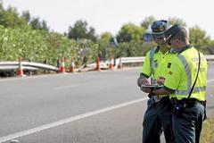 Agentes de la Guardia Civil de Tráfico, en una imagen de archivo.