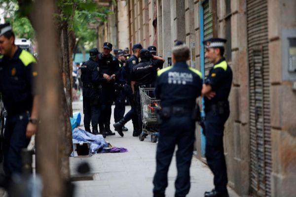Macrooperativo contra la red de narcopisos y puntos de distribución de drogas que domina el Raval de Barcelona