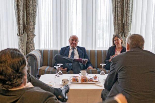 El vicepresidente del BCE, Luis de Guindos, ayer en Santander.