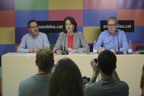 La presidenta de ANC, Elisenda Paluzie, presenta en rueda de prensa la campaña 'Consum Estratègic' el pasado noviembre.