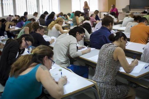 Opositores para acceder a un puesto de profesor de lenguaje musical en Andalucía.