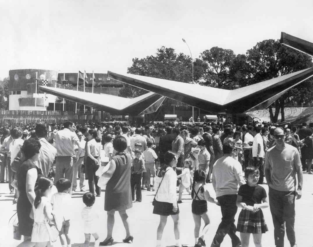 El Parque de Atracciones fue un éxito inmediato. Se inauguró el 15 de mayo de 1969 y su afluencia fue tal que acudieron más de 50.000 personas, por lo que hubo que cerrar las taquillas por exceso de aforo antes de su hora.