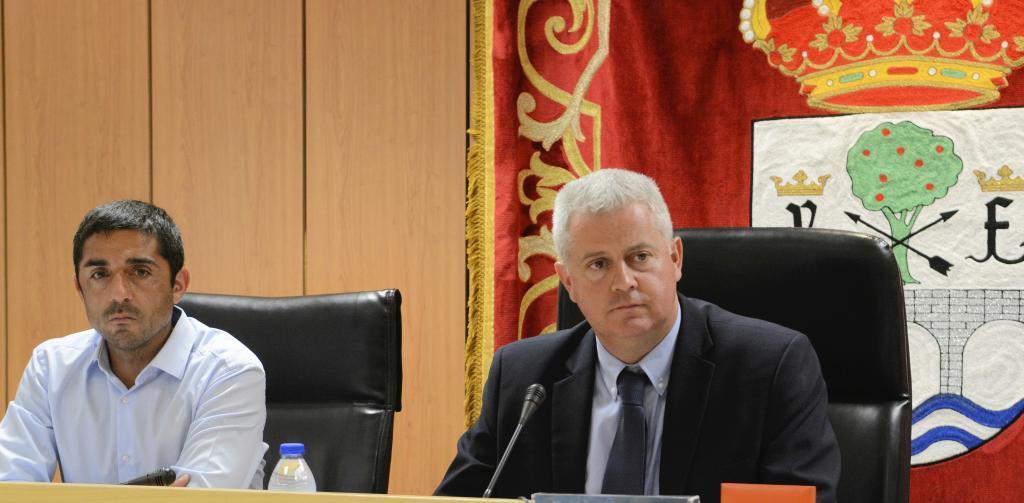 El vicealcalde de Sanse, M.A.M. Perdiguero (Cs) y N. Romero (PSOE), alcalde.