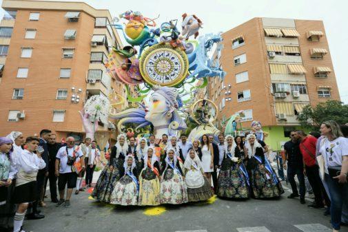 Foto de La Ceràmica, con el presidente de la Generalitat, Ximno Puig, el alcalde de Alicante, Luis Barcala, y varios miembros de la corporación municipal.