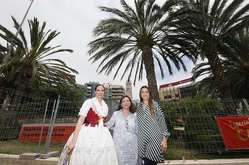 Elena García Caballero, Trini Amorós y Aleida González representan tres fases distintas de la integración de la Bellesa cuando termina su año de representación de la fiesta.