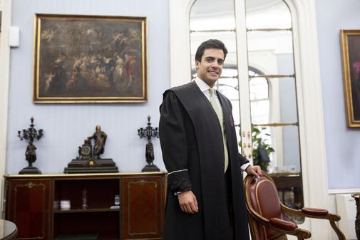 Amparo a un abogado al que una juez de Vigo exigió estar en tres vistas a la vez