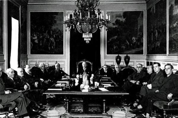 Alejandro Lerroux, al frente de uno de sus gobiernos, en mayo de 1935.