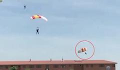 Herido un paracaidista al chocar con un tejado durante una exhibición