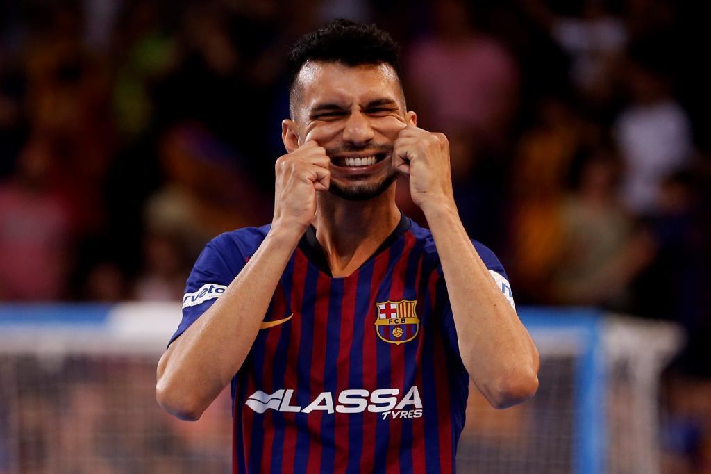 GRAF2903. <HIT>BARCELONA</HIT>.- El pívot ruso brasileño del FC...