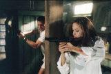 Angelina Jolie y Brad Pitt en un fotograma de la película 'Sr. y Sra. Smith', de Doug Liman.