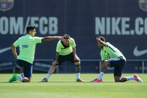 Luis Suárez, Neymar y Messi, durante un entrenamiento en el Barça.