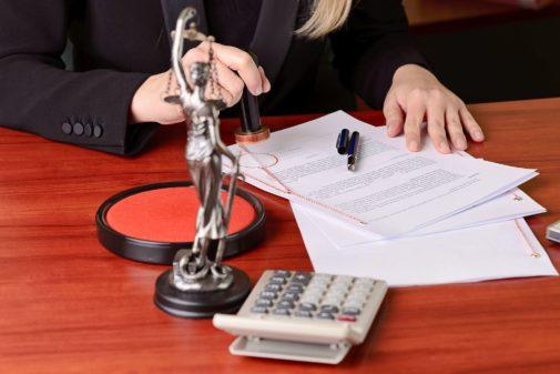 La crisis sigue motivando las renuncias en las notarías.