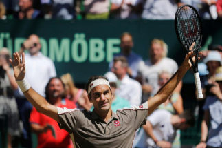 Federer gana en Halle por décima vez y se acerca a Connors