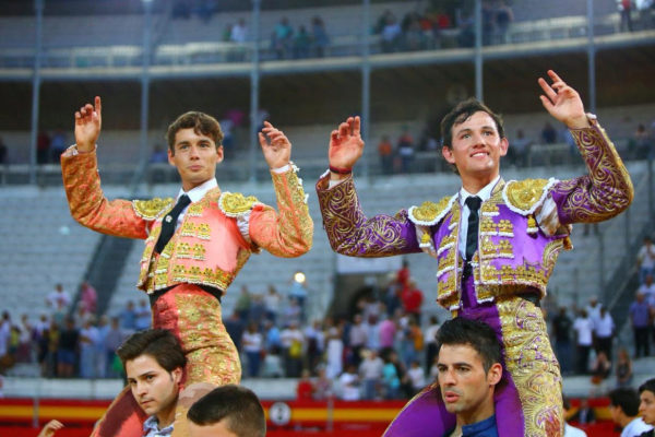 Borja Collado y Miguel Aguilar salen por la puerta grande.