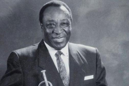 El trompetista Dave Bartholomew.