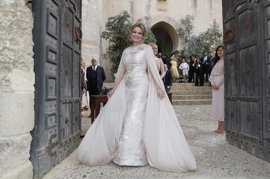 Ainhoa Arteta con vestido de novia de Isabel Zepardiez