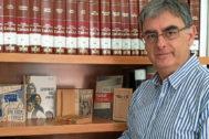 Ferrándiz, amb un recull de les obres publicades per Rafael Azuar i que ara conservarà l'Institut Gil-Albert.