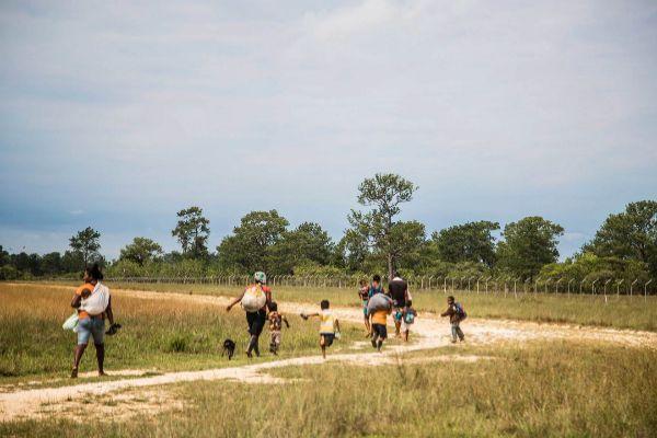 Migrantes centroamericanos huyen de la situación en su país de origen.